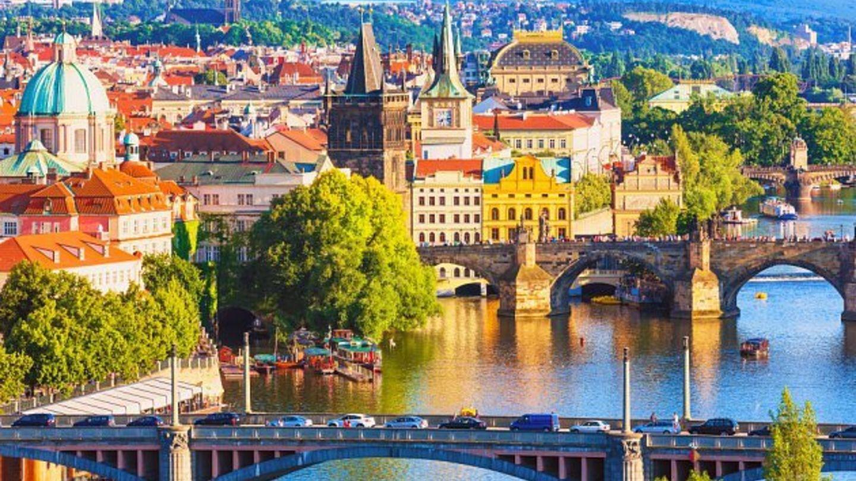 Arcadis' Sustainable Cities Index:  Praha je 2. nejvíce udržitelným městem vCEE, ve srovnání stovky světových metropolí obsadila 23. místo.