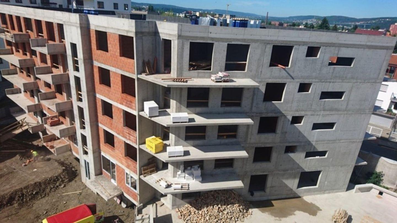 Stavebnictví je v plusu, ale byty na trhu stále chybí