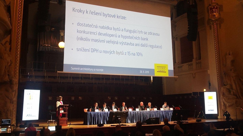 Summit architektury a rozvoje: Výnos z daní by měl směřovat městům a obcím, ve kterých se staví