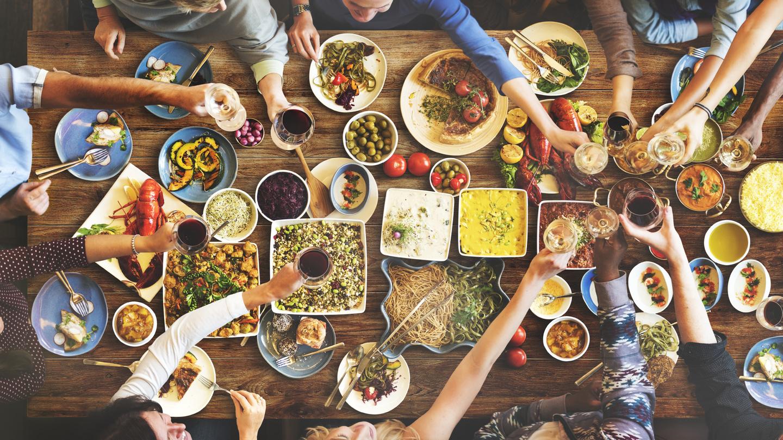 Aktuální gastronomické trendy (nejen) vytížených mileniálů. Už vás někdo pozval na linner?